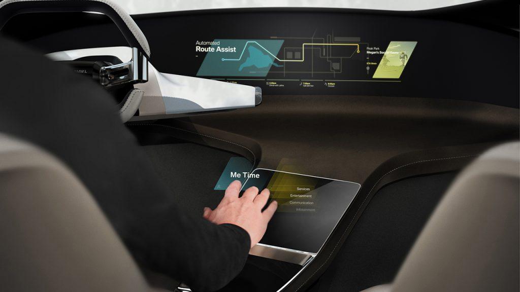 """【CES 2017】BMWが""""未来の運転席""""を出展! その名も「ホロアクティブ・タッチ」とは? -"""