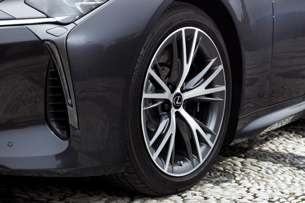 レクサス新型「LC」の詳細が判明! エンジン、ボディサイズ、注目の新技術は? -