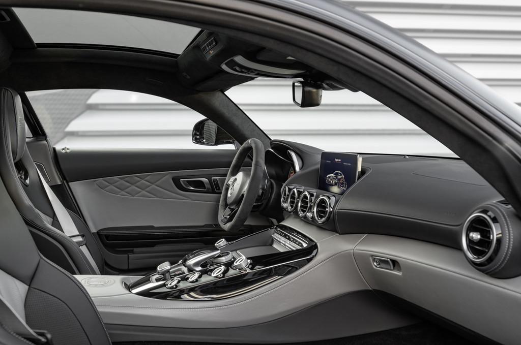 【デトロイトショー2017】メルセデス・ベンツの「AMG GT」がマイナーチェンジ - Mercedes-AMG GT C Edition 50, C 190 (2017)