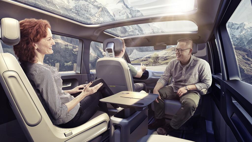 【デトロイトショー2017】VWが電気自動車のミニバン「I.D.BUZZコンセプト」を公開 - 0110_vw-i-d-buzz-concept_02