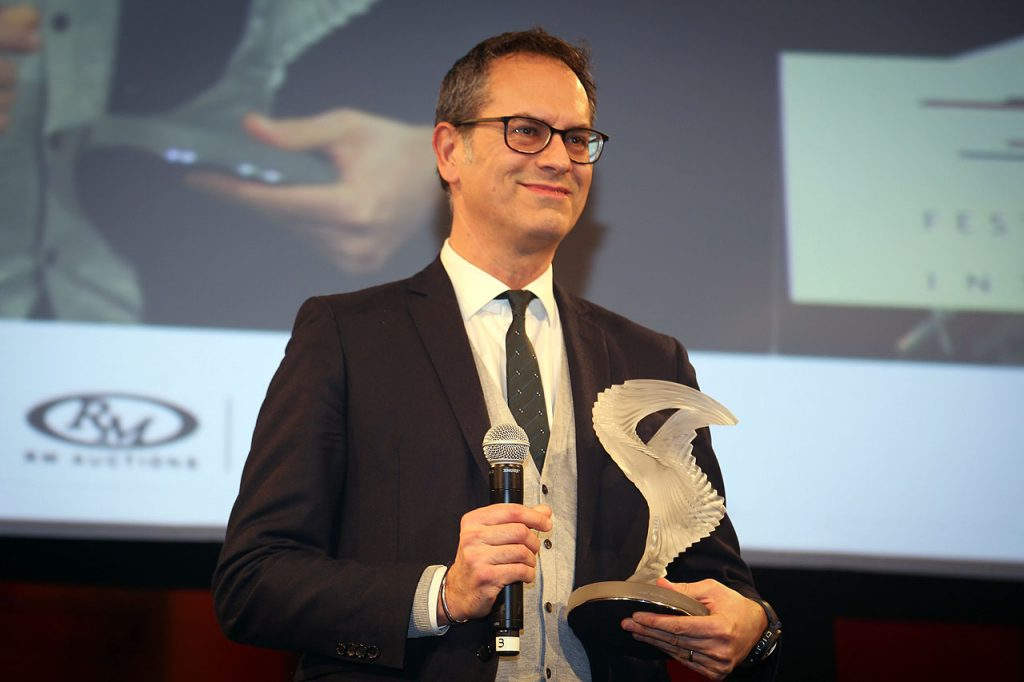 ferrari-gtc4lusso-award-paris-2017-most-beatiful-supercar-news3
