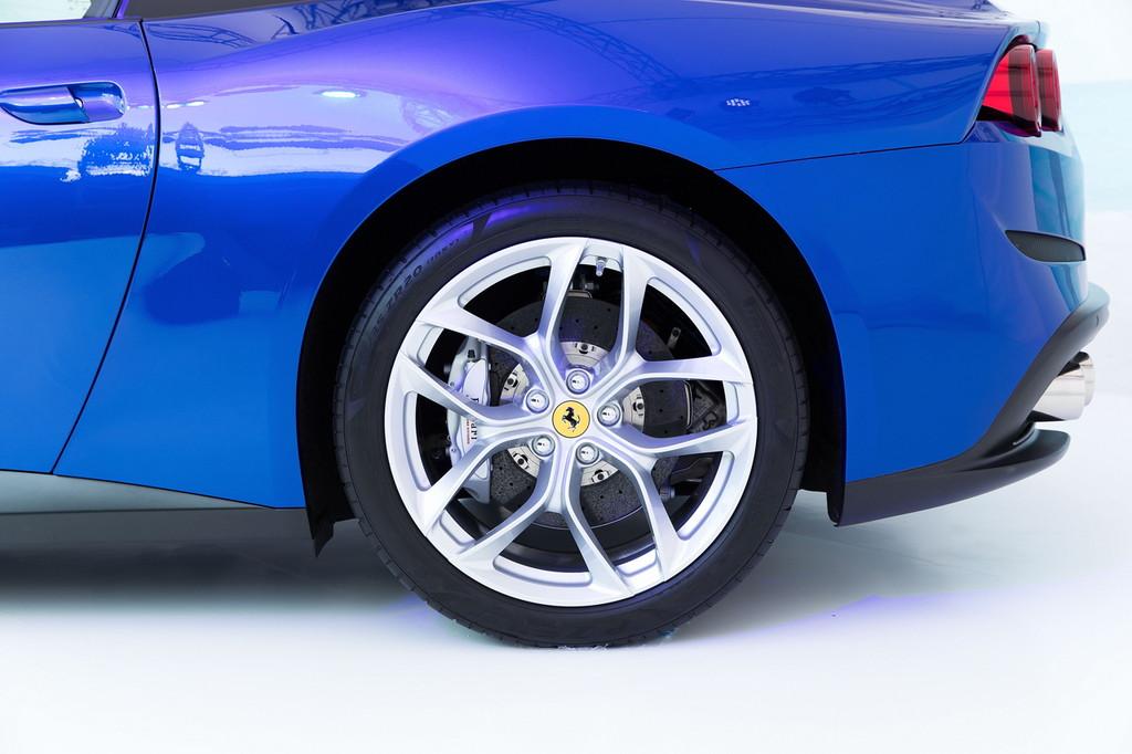 毎日楽しめるスーパーカー! フェラーリ新型「GTC4ルッソT」が日本初披露 - 0317_Ferrari-GTC4LussoT_04
