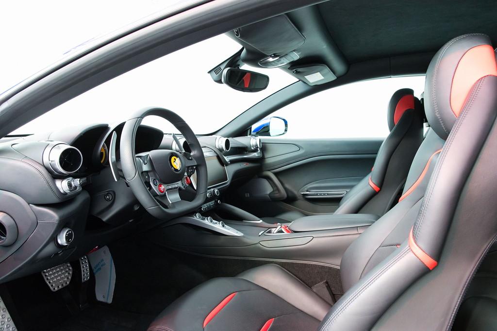 毎日楽しめるスーパーカー! フェラーリ新型「GTC4ルッソT」が日本初披露 - 0317_Ferrari-GTC4LussoT_05