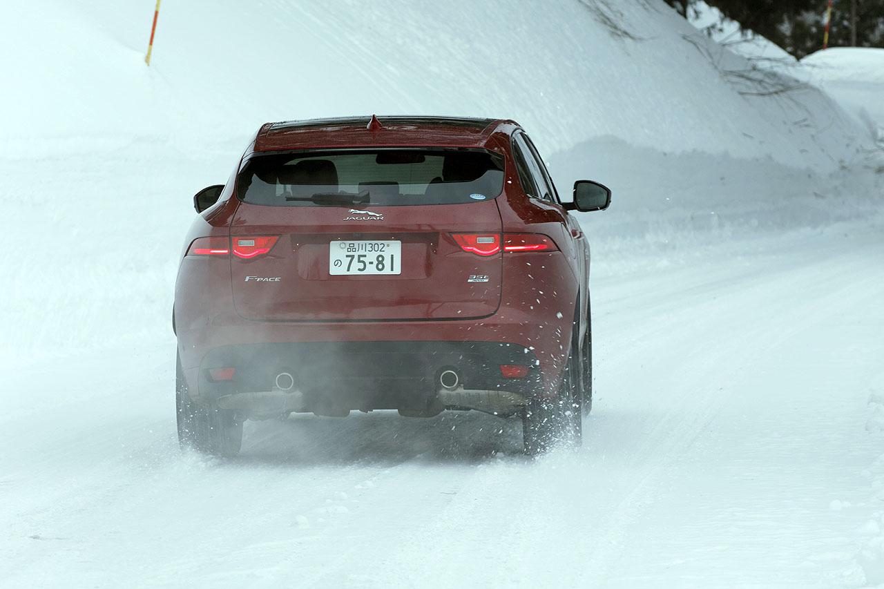 ジャガー・ランドローバー雪上試乗会報告② 初のSUVはどんなテイスト? ジャガー「Fペース」でスノーアタック! - JAGUAR F-PACE 4WD SNOW (2)