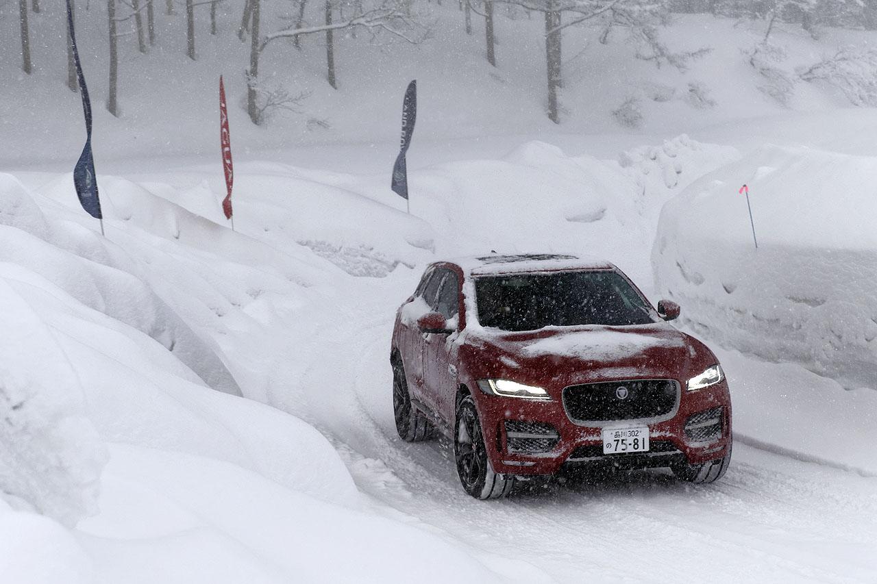 ジャガー・ランドローバー雪上試乗会報告② 初のSUVはどんなテイスト? ジャガー「Fペース」でスノーアタック! - JAGUAR F-PACE 4WD SNOW (4)
