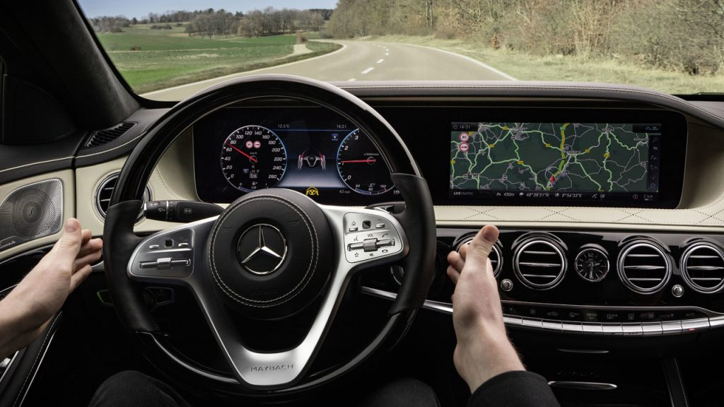 メルセデス ベンツ新型sクラスに採用されるインテリジェント ドライブ