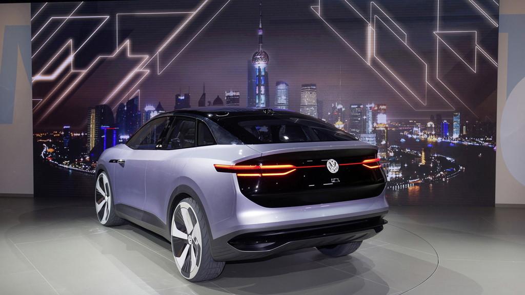 VWのEV戦略を担う「I.D.クロス」が発表【上海モーターショー2017】 - Auto Shanghai 2017 - Volkswagen Group Media Night