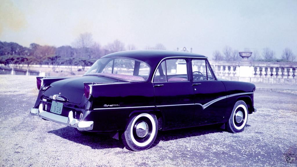 日産「スカイライン」の60年、全モデルを写真で振り返る① - 1957_skyline1500_ALSI-S1_rear-source