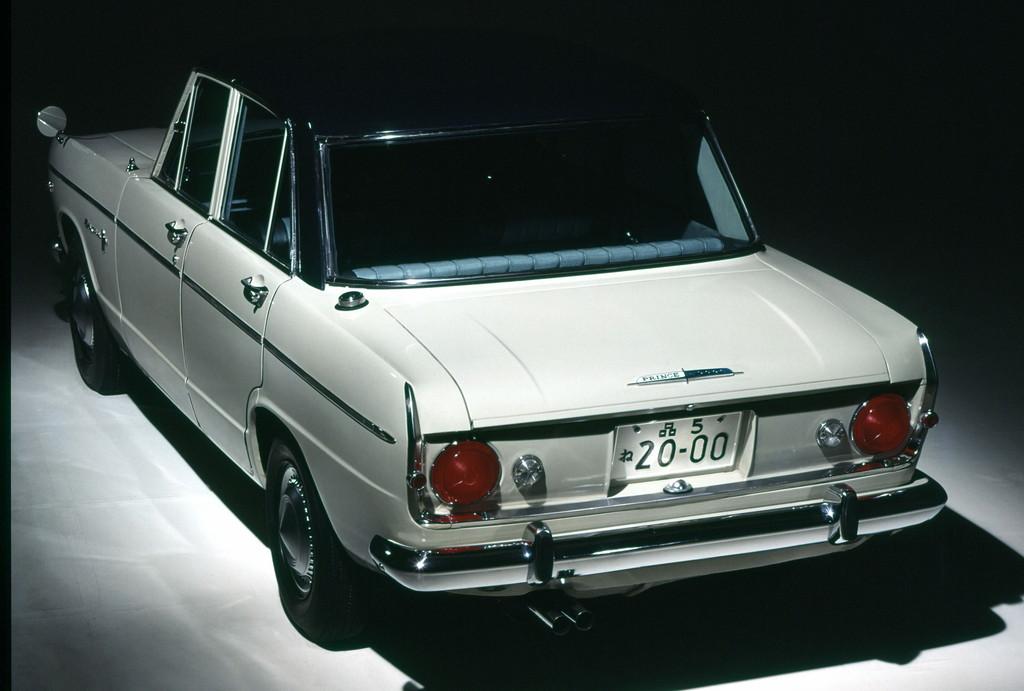 日産「スカイライン」の60年、全モデルを写真で振り返る① - 1965_2000GT-A_S54A-2_rear-source