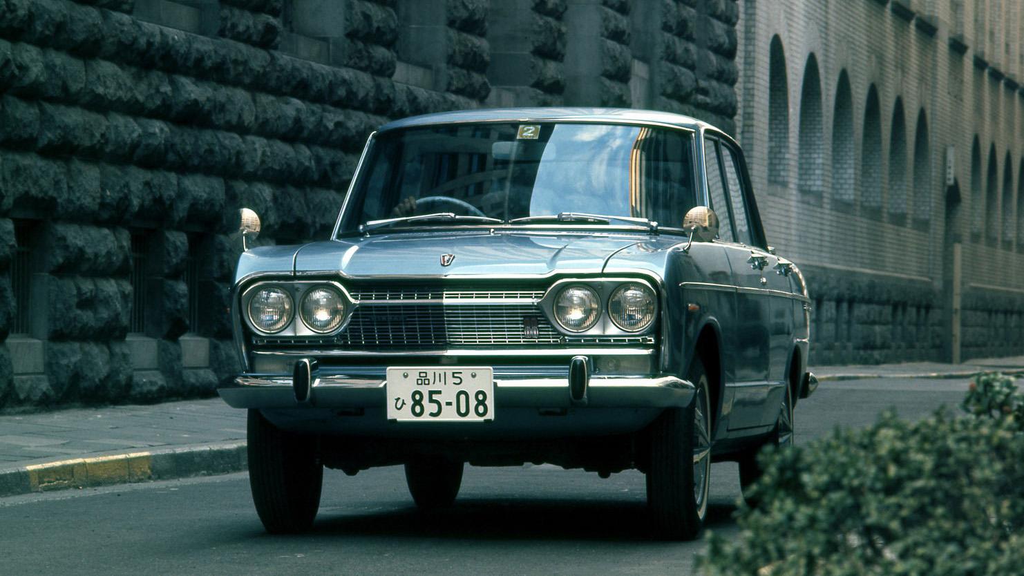 日産「スカイライン」の60年、全モデルを写真で振り返る① - 1966_1500Deluxe_S50D-2-source