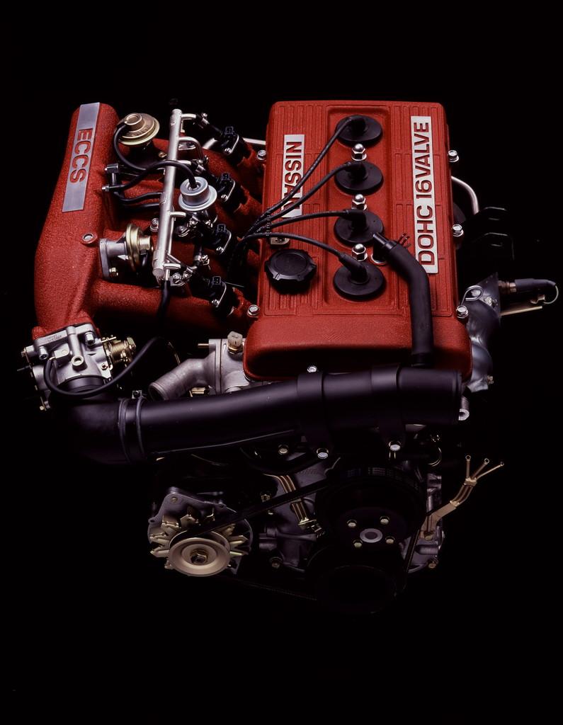 日産「スカイライン」の60年、全モデルを写真で振り返る② - 1981_HT_2000_RS_Engine