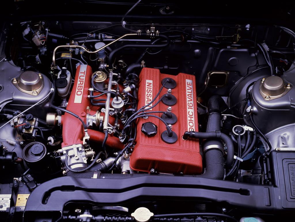 日産「スカイライン」の60年、全モデルを写真で振り返る② - 1983_HT_2000Turbo_RS_Engine_01