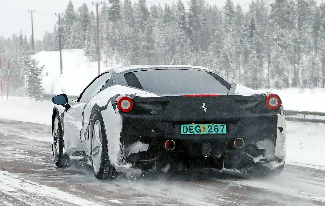 【スクープ】これがフェラーリ「新型ディーノ」な動かぬ証拠とは? - Ferrari dino 2018 (12)