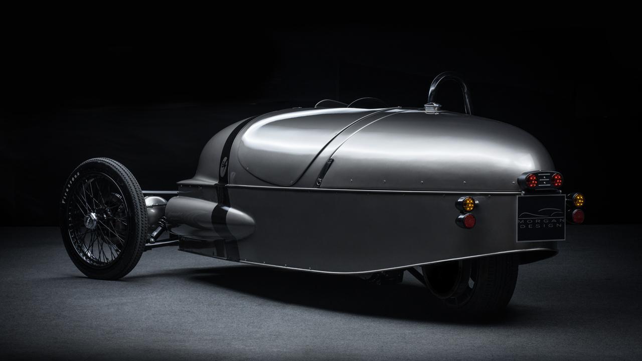 モーガン「EV3ジュニア」はカーボン製ボディ&木製ダッシュボードの超本格派 - ev3h13