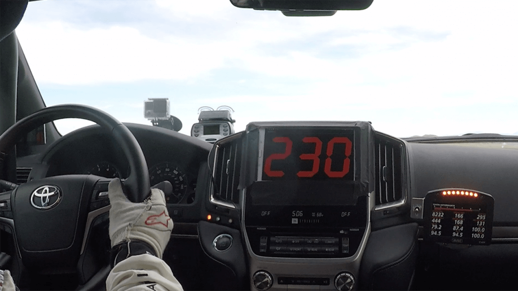 0509_Toyota-LandCruiser-fastest-SUV_02