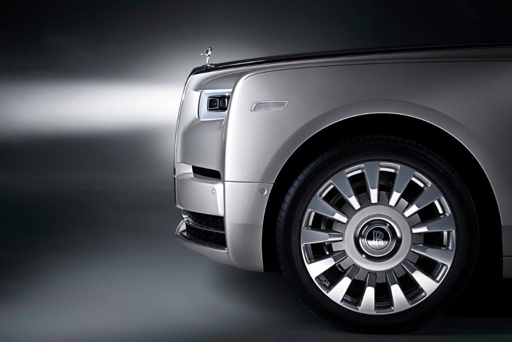超高級車の代表格が8世代目に、ロールス・ロイスの新型ファントムが登場 - 0731_RollsRoyce-Phantom_05