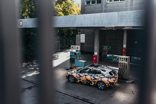 0814_BMW-X2-teaser_02