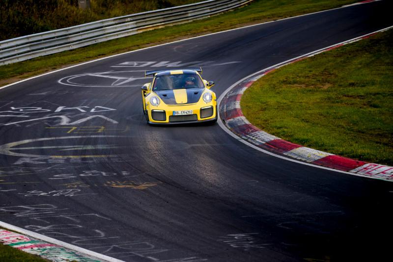 1002_Porsche911GT2RS-Nur-fastest-lap_02