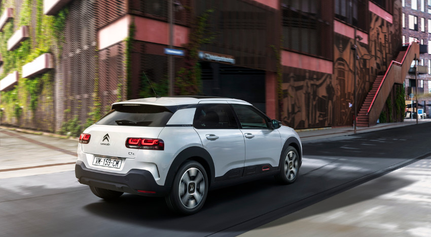Bicycle_03 - 1027_Citroen-C4-Cactus_02